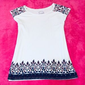 Lucky BRand White tee with embroidery detail NWT